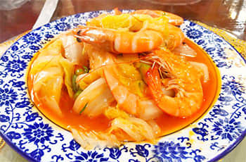 sauté cabbage with prawns