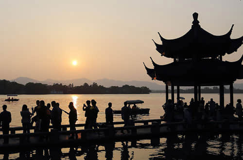 Shanghai and Hangzhou Essence Tour