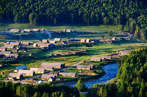 Hiking Hemu Village in Kanas Lake