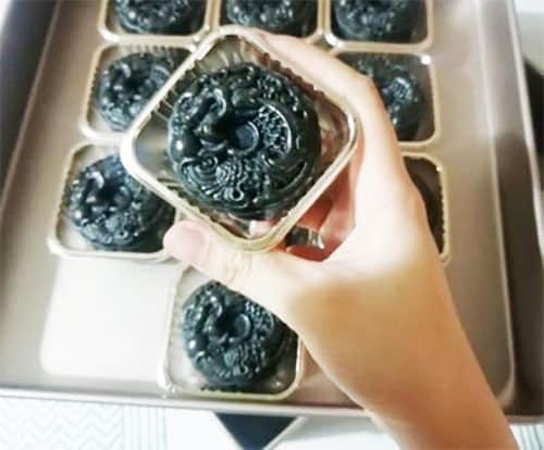 Bamboo Charcoal Mooncakes